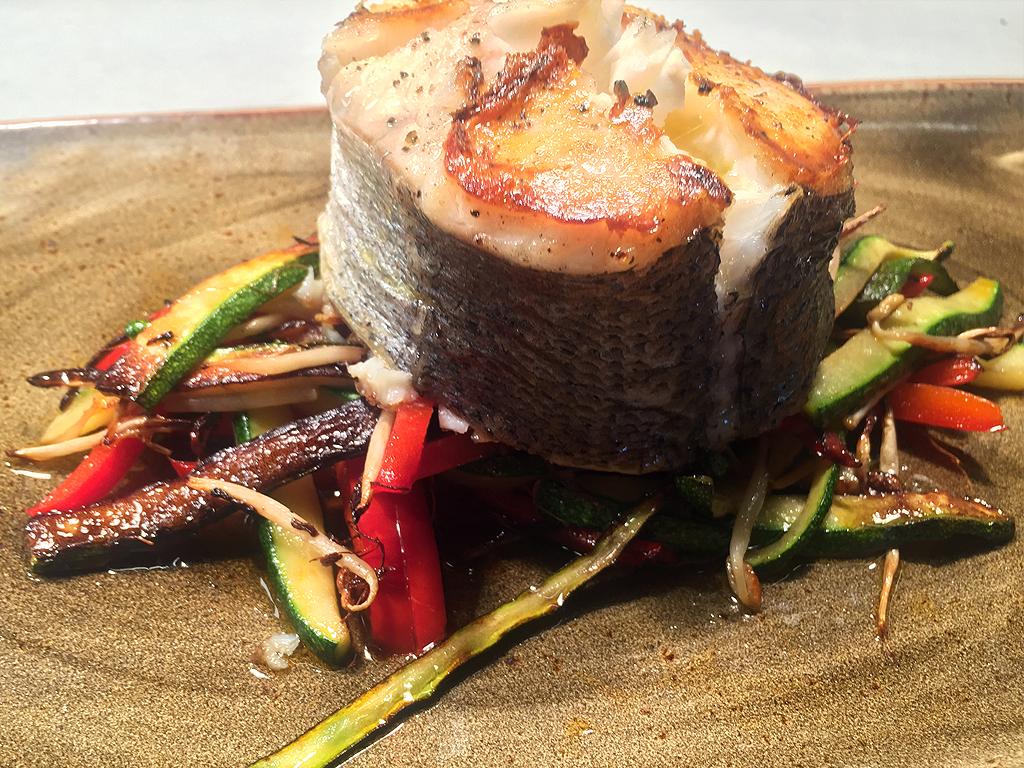 tronco-merluza-verduras-purabrasa
