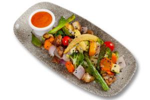 Crudités de verduras a la brasa con salsa romesco